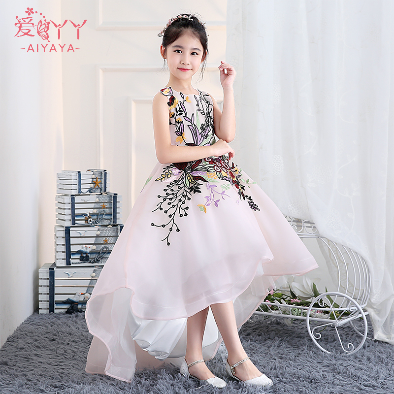 цена на 2018 Holy Communion Dress Short Front Back Long Princess Gown Girl Dress Embroidery Flower Girls Dresses Trails Ball Gown A144