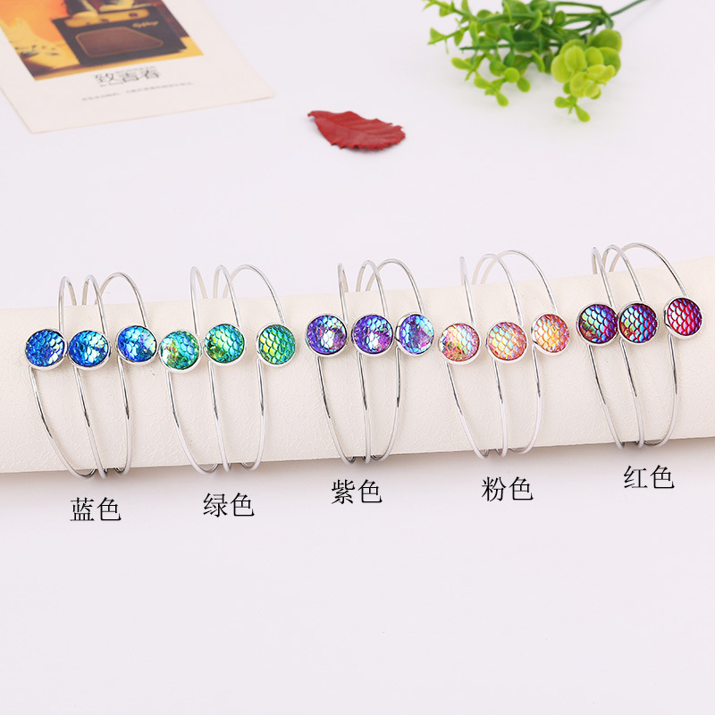 New Product Korean Bracelet Woman Exquisite Bracelet Concise Multicolor Scale Hand Decorate Ornaments