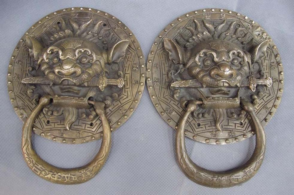 China Copper Bronze Guardian Evil Feng Shui Foo Dog Lion Head Door knocker Pair