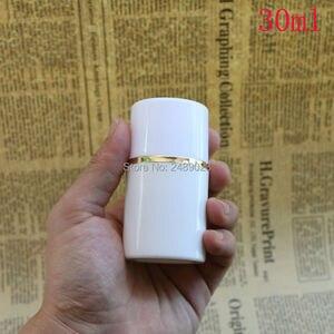 Image 2 - 50ml 100ml boné Branco Garrafa De Plástico Sem Ar Garrafas de Bomba Airless Com linha Dourada Vácuo Recipientes Loção cosmética 10 pçs/lote