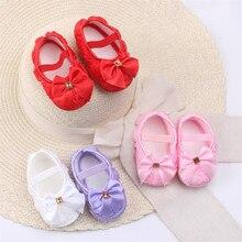 Туфли с бантиком для младенцев; кружевные розовые туфли принцессы для маленьких девочек; нескользящая обувь для малышей