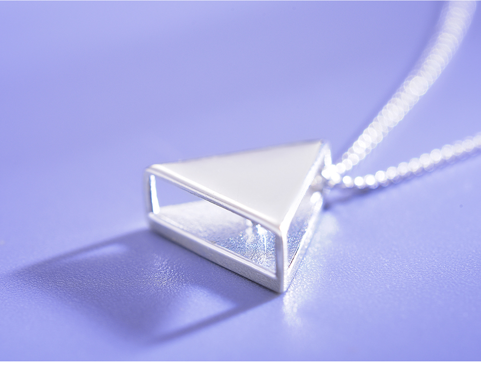 LFJE0125-Minimalism-Style-Geometric-Triangle-Design-Pendant_12