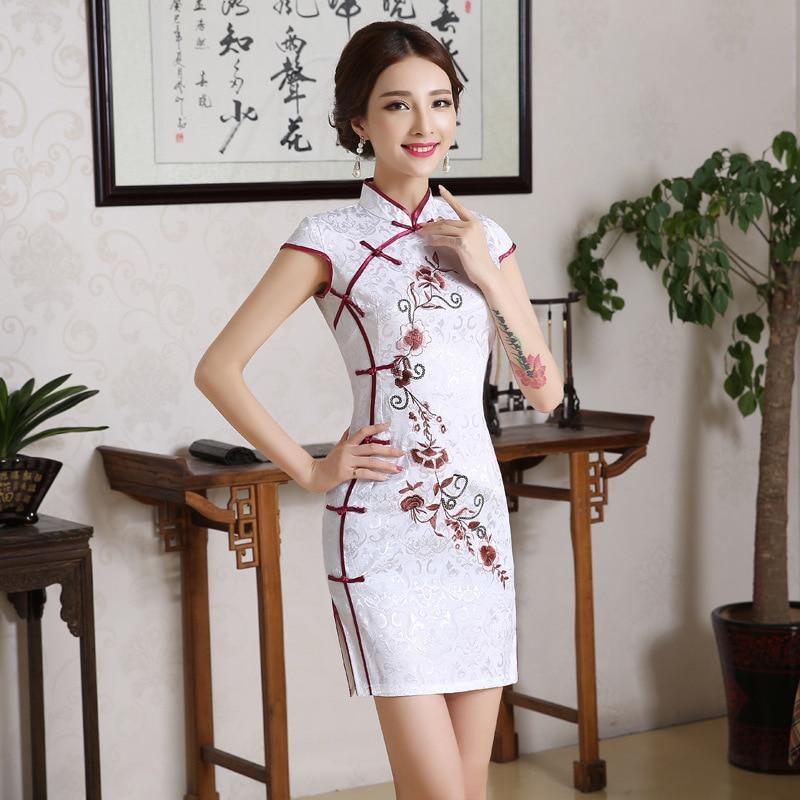 2227e6e50 סיני נשים לבן פרח חתונה Qipao בציר מנדרינית צווארון כותנה מיני Cheongsam  בתוספת גודל קצר שרוול שמלת ערב ~ Best Seller June 2019