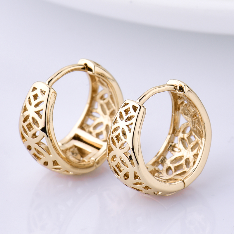 Girlfriend Hollow Style Gift Round Hoop Earrings for Women Fashion Gold color Earrings Vintage Hollow Earrings Jewelry E403 in Hoop Earrings from Jewelry Accessories