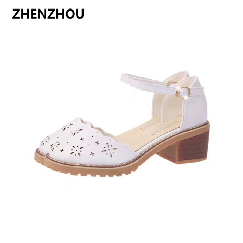 2017 In the summer New style fashion students Sweet style Hollow out a word belt Sandals, thick with In the documentary shoes qiu dong season with plush slippers female students in the summer of 2017 the new han edition joker fashion wears outside a word