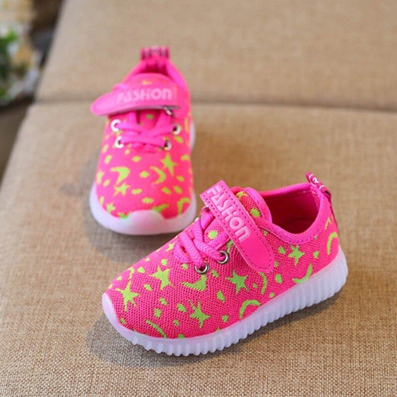 c63e181d54914 Nouveau À La Mode Net Respirant Enfant Chaussures LED Loisirs Sport Courir  Chaussures pour Garçons Filles Vente Chaude Enfant Chaussures H1 dans  Chaussures ...