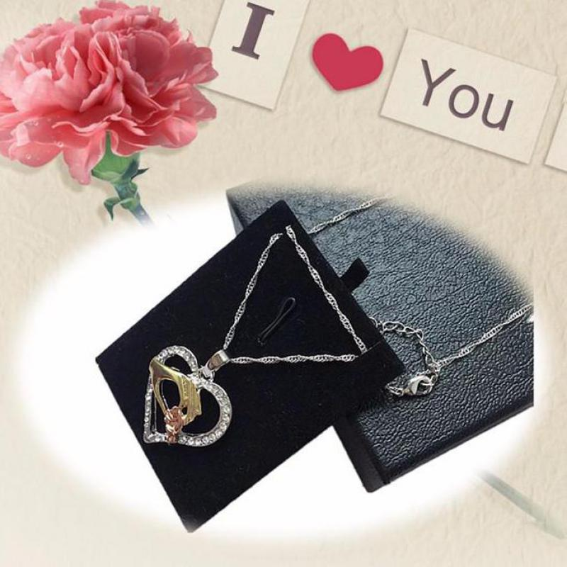 2019 Cubic Zirconia Mom Necklace Baby Heart Pendant Daughter Son Child Family Love Jewelry Friends Birthday Mother Days Gift Box 9