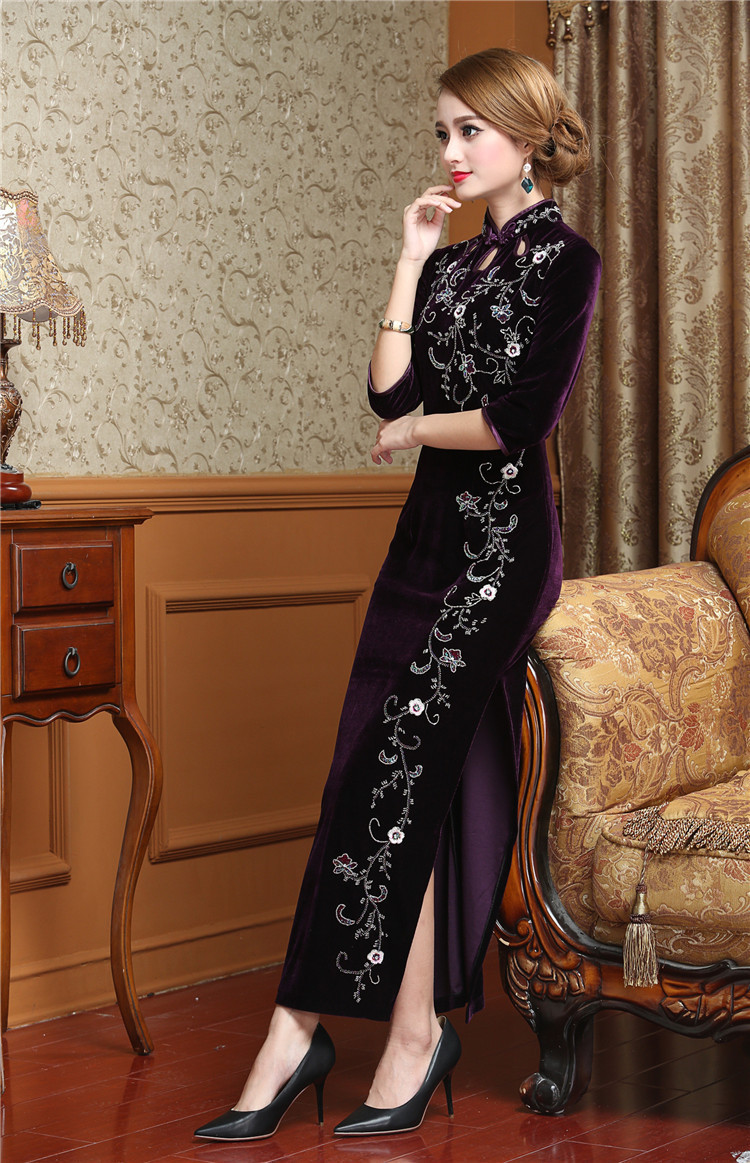 9f10558ece49 Retro Dressing Gown Traditional Chinese Clothes For Woman Cheongsam Mom  Wedding Qipao Dresses Casual Modern Velour Dress-in Cheongsams from Novelty  ...