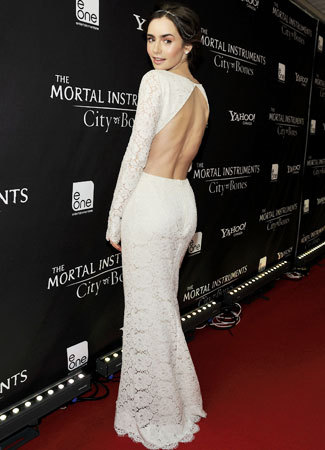 2016 Lily Collins White Scoop Full Sleeve Straight Sexy Open Back Long Lace Celebrity  Dress 2be6bd8edc8e