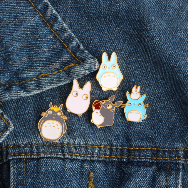 Fashion Creative Cartoon Anime Totoro Brooches For Women Men Kawaii Cats Enamel Pin Denim Lapel Badges 5 Style Cute Brooch Pins