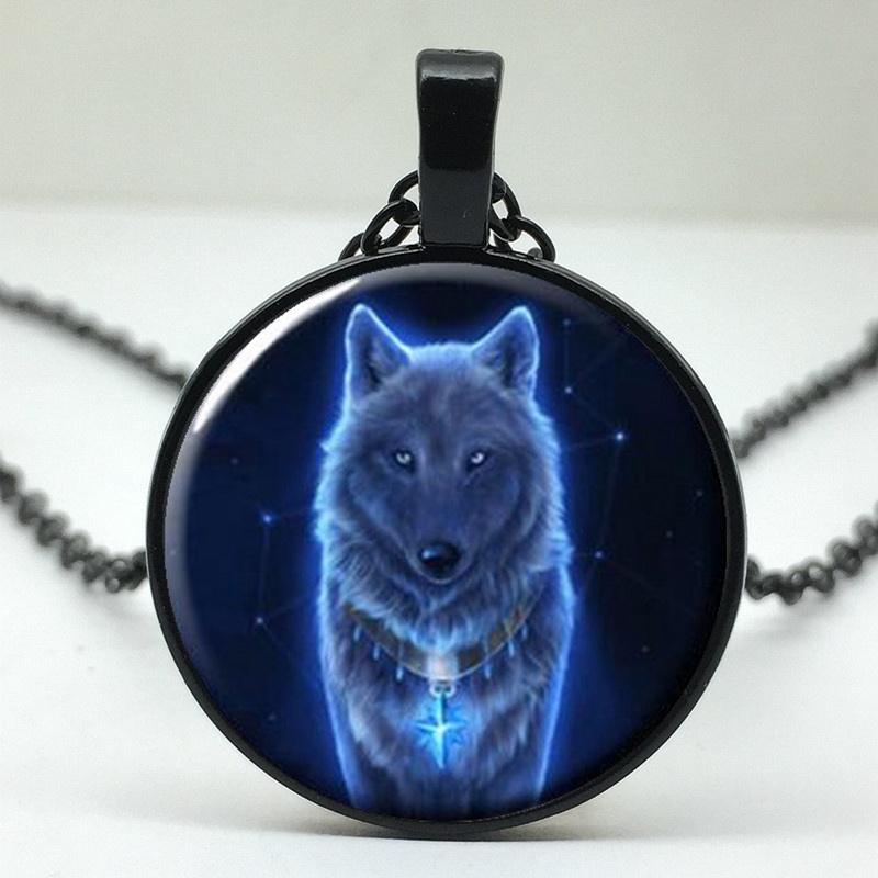 2018/Fashionable Hot Wolf Pattern Glass Pendant Necklace, Wearing Pendant Necklace Jewelry For Men And Women.