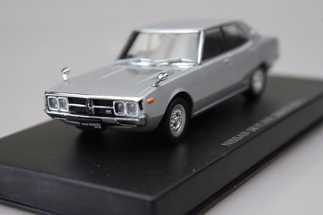 D Ism 143 Nissan Skyline 2000 Gt Xe S Boutique Alloy Car Toys For