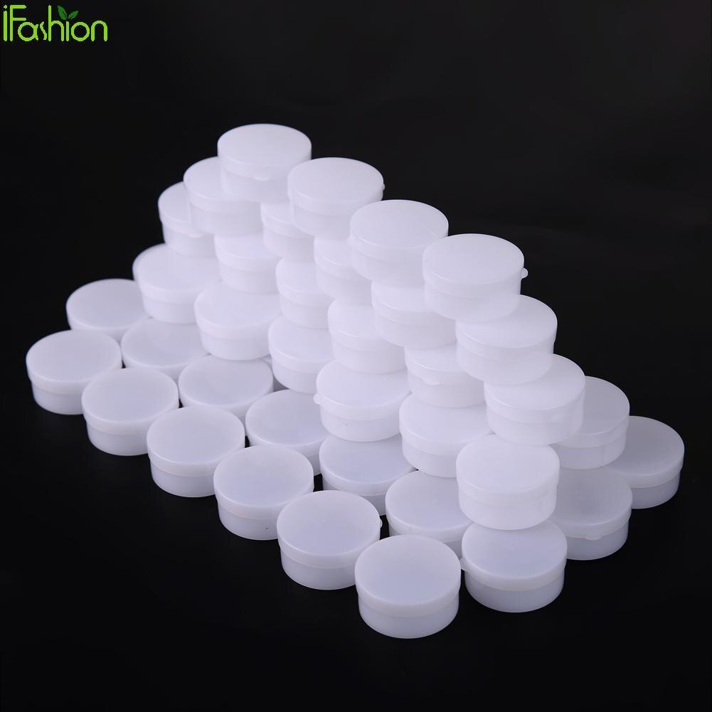 пластиковый кувшин