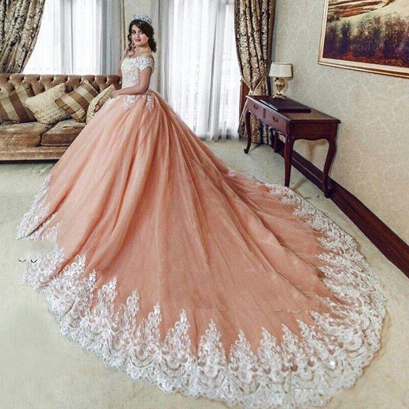 Vintage Robes De Mariée 2018 Dubaï robe de Bal Robe De Noiva Casamento Robes De Mariée En Dentelle Appliques Longue Robe De Mariage De Corail