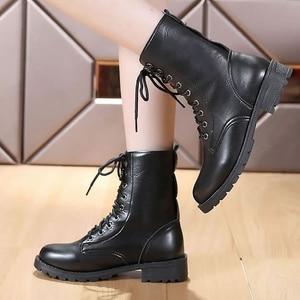 Image 4 - Mắt Cá Chân Giày Cho Nữ Màu Đen Size Lớn 4.5 10 Xe Máy Tăng Da Thời Trang Giày Cao Su Nữ Spring Gothic giày