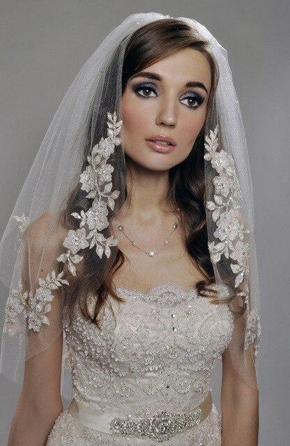 2018 Short Pernikahan Veils dengan Mutiara Renda Impor Murah Benang Perak Bunga Pengantin Veil 2 Tier dengan Sisir Pernikahan Aksesoris