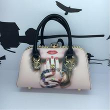 Free shipping Korea autumn and winter new diamond-studded hand-painted cartoon fashion tide Shoulder Messenger handbag