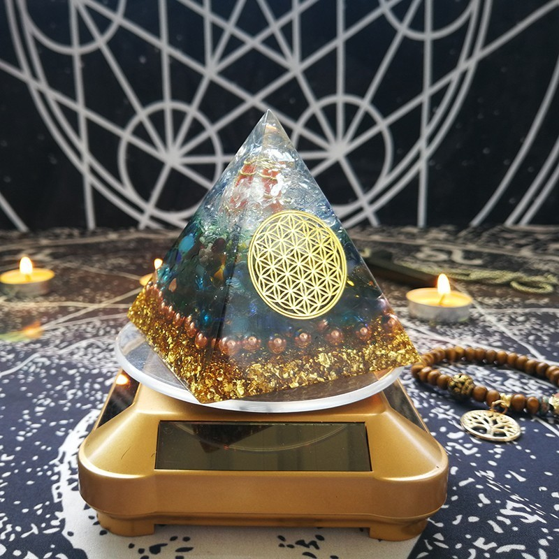Orgonite Pyramid 7 Chakra Raziel Colorful Glaze Natural Red Aventurine Resin Pyramid Jewelry Decoration C0163