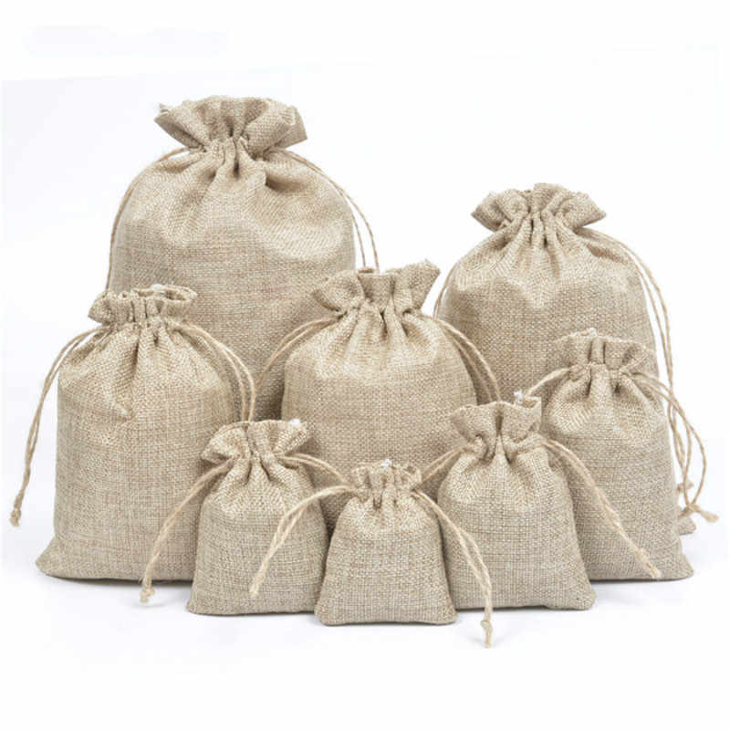 50pcs/lot Natural Burlap Linen Jute Drawstring Gift Bags Sacks Party Favors Packaging Bag Wedding Candy Gift Bags Party Supplies