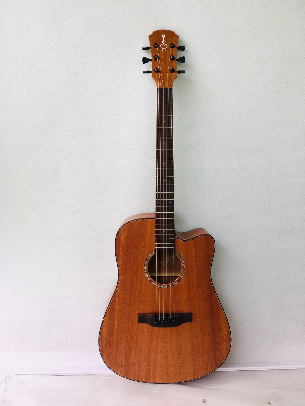 41 Inch Acoustic Guitar Beginner Practice Folk Guitar 6 Strings Mahogany Music Instrument for Student Lovers Gift