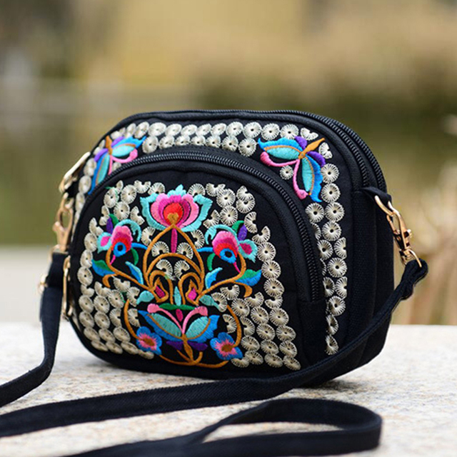 2018 National Ethnic Hmong Embroidery Bags New Women's One Shoulder Bag Vintage Double Side Embroidered Messenger Small Bags