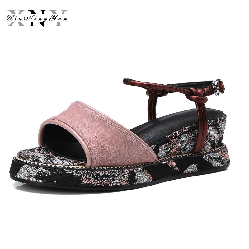 цены XiuNingYan Women Sandals 2018 New Fashion Casual Shoes Comfortable Wedges Sandals Platform Genuine Leather Woman Summer Shoes