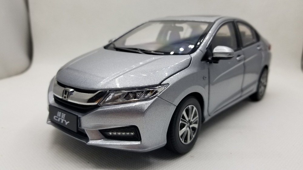 1:18 Diecast Model For Honda City 2018 All New Sedan Alloy Toy Car Miniature Collection Gifts Jazz Fit