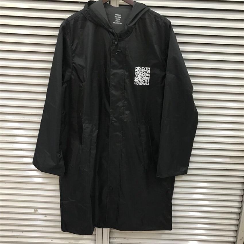 Spring Summer VETEMENTS Black Nylon Raincoat QR Code Print Loose Long Hooded VETEMENTS Trench Men Rain Proof VETEMENTS Rainwear