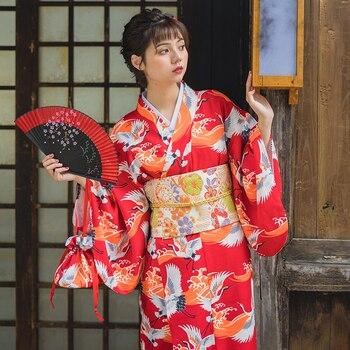 3c879b1d83cf9 Kadın Japonya Kimono Kırmızı Renk Vinç Baskıları Yuaka Robe Cosplay Giyim  Sahne Performansı/Fotoğraf Çekim Aşınma