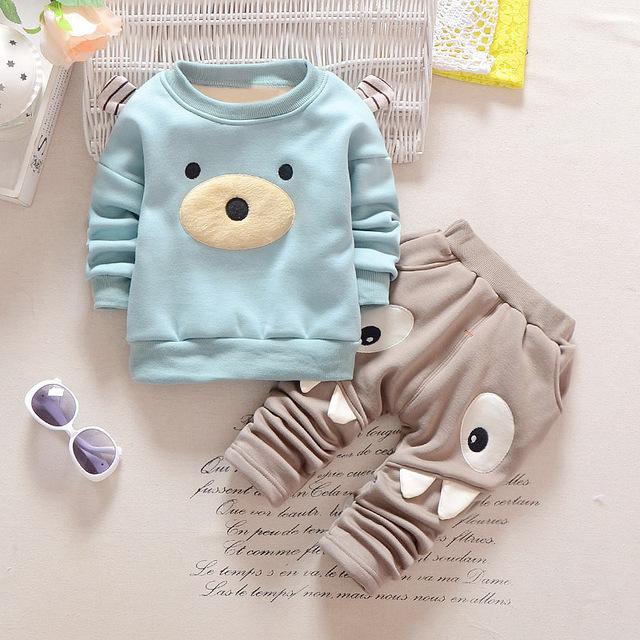 Moda Dos Desenhos Animados Do Bebê Conjuntos de Roupas Menino Inverno Quente Recém-nascidos De Veludo Top + Calças 2 pcs Terno de Manga Longa Infantil Do Bebê Conjunto de roupas