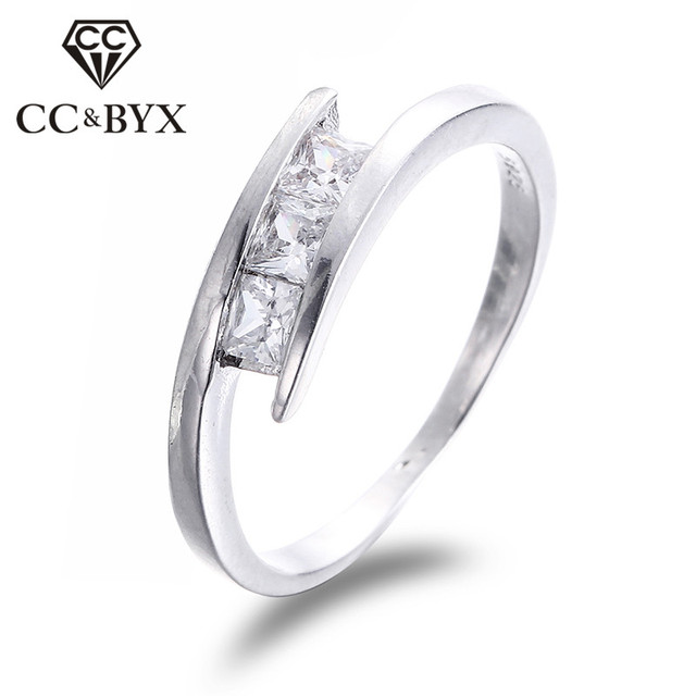 Simple Design Cubic Zirconia Engagement Rings For Women White Gold
