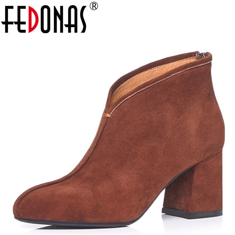 Ayakk.'ten Ayak Bileği Çizmeler'de FEDONAS Marka Womens Boots Yeni Sonbahar Kış moda ayakkabılar Kadın Yuvarlak Ayak Retro Yüksek Kaliteli Bayan Ayakkabı Kadın yarım çizmeler'da  Grup 1