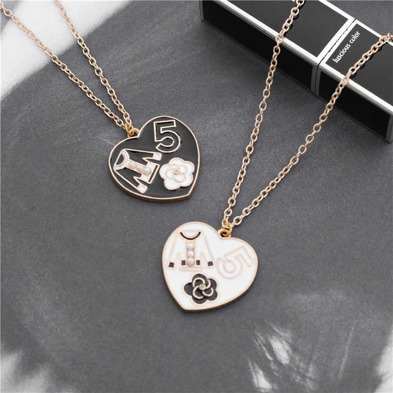 Fashion Luxury Crystal Camellia Necklace Big Brand Design Clothes 5 Letter Simulated Pearl necklace Jewelry Women