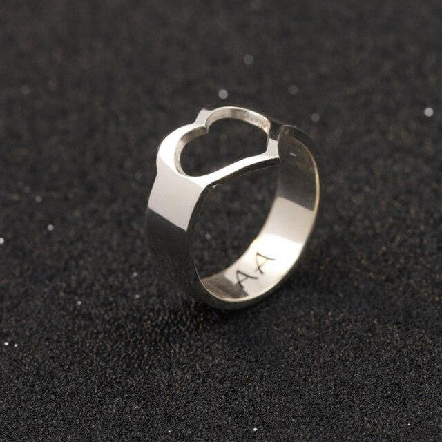 3d7c1edc798e Plata sólida amor corazón nombre anillo personalizado grabado nombre anillo  mano sello 2 iniciales anillos pareja