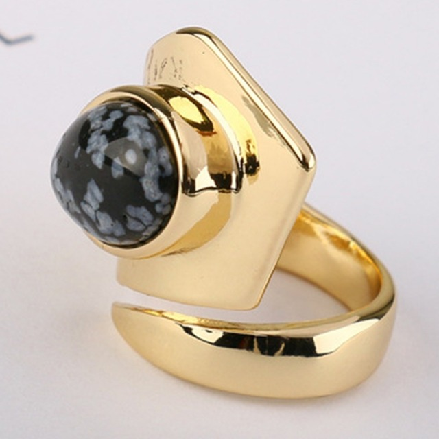 Vintage Golden Natural Stone 18mm Diameter Ring For Women Ladies Retro Finger Decorations Jewelry Accessories