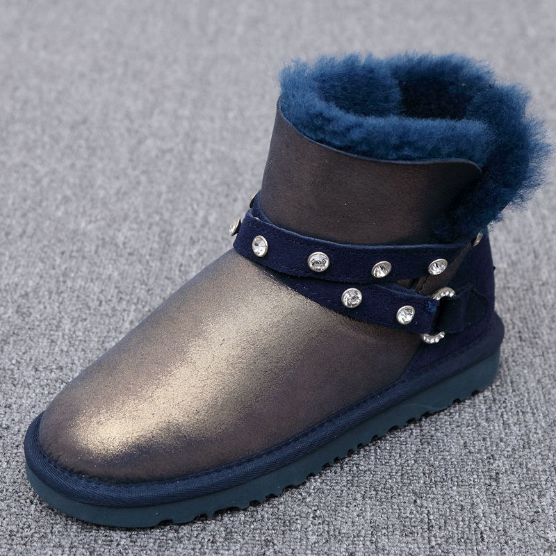 High quality snow boots 2017 star with the section of the Australian natural sheep skin 100% female boots free delivery lesions of skin of sheep and goats due to external parasites