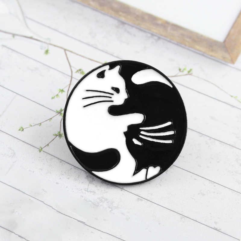 Инь Ян Белый Черный Кот Круглый бейдж милый черный белый шпилька с подвеской «Кот» Hug котенок эмаль брошь для пар джинсовая рубашка рюкзак аксессуары