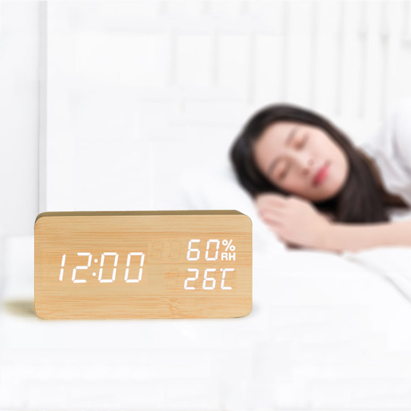 Sound Control LED Réveils Despertador En Bois Affichage de La Température Réveil Électronique Horloge De Bureau Numérique Horloge De Table En Bois