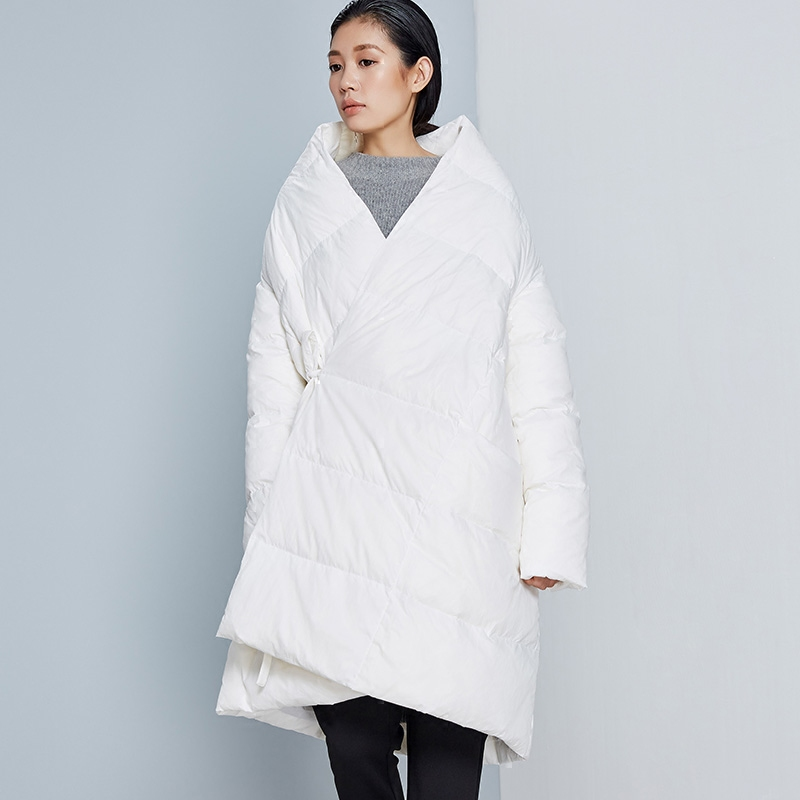 LYNETTES CHINOISERIE Autumn Winter Orignal Design Women Loose Plus Size A-shaped Cloak Style 90% White Duck Down Jackets Coats