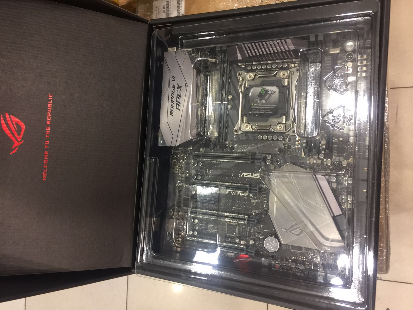 Asus ROG RAMPAGE VI APEX R6A <font><b>X299</b></font> motherboard used 95%new original box image