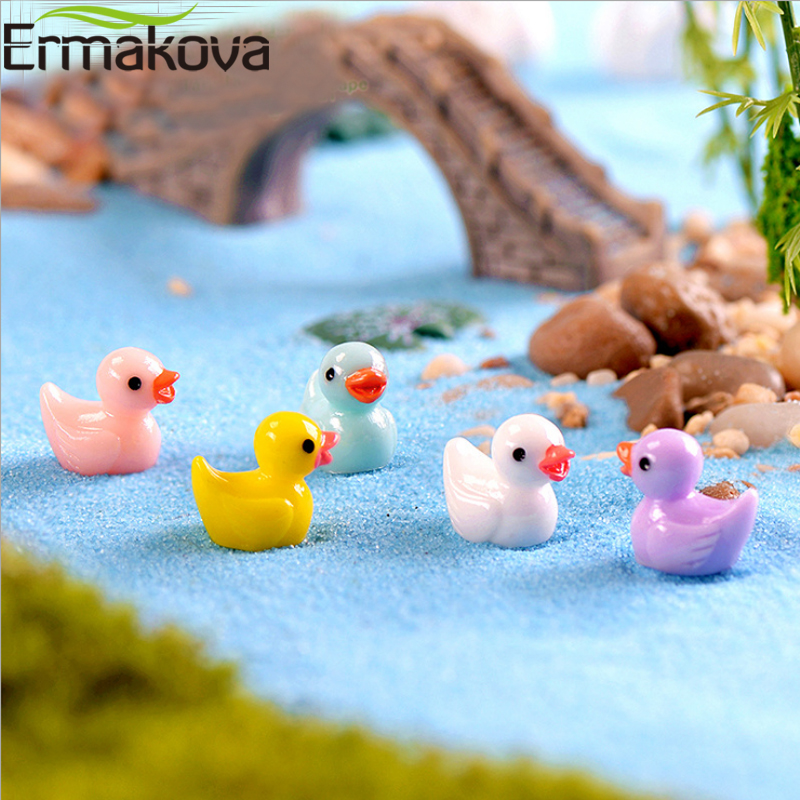 ERMAKOVA 50 Pcs/Lot 18*15mm Resin Mini Yellow Duck Figurine Animal Miniature Landscape Fairy Garden Bonsai Plant Garden Decor figurine