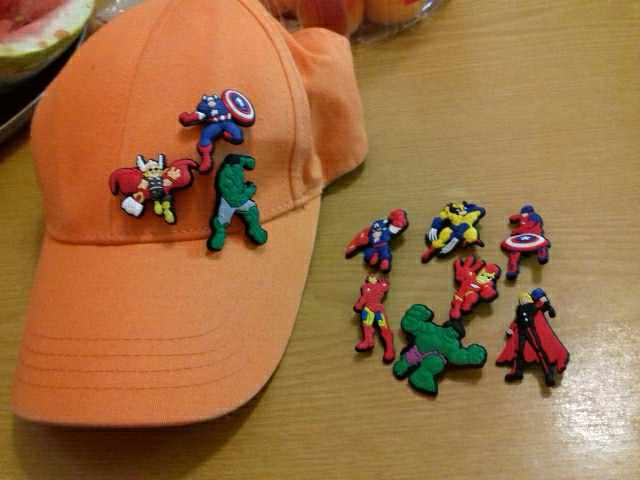 1 قطع Deadpool حيدات باتمان فتاة الساخن PVC دبابيس التبعي دبابيس Pinback الملابس حقيبة قبعة ديكور شارات كيد DIY لعب هدية