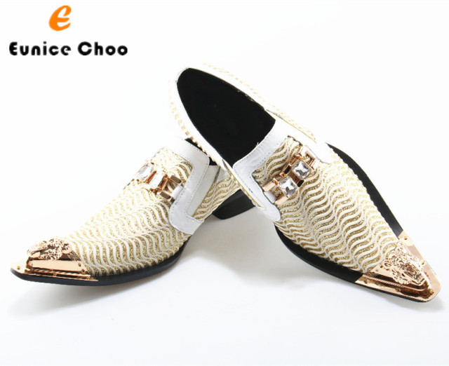 Eunice Choo Carved Metal Toe Slip On Crystal Chain Decor Men Loafers  Wedding Dress Shoes White Wave Cut-outs Gold Sequins Shoes fd7d331c88a5