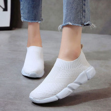 Women Shoes 2019 New Flyknit Sneakers Women Breathable Slip On Flat Shoes Soft Bottom White Sneakers Casual Women Flats