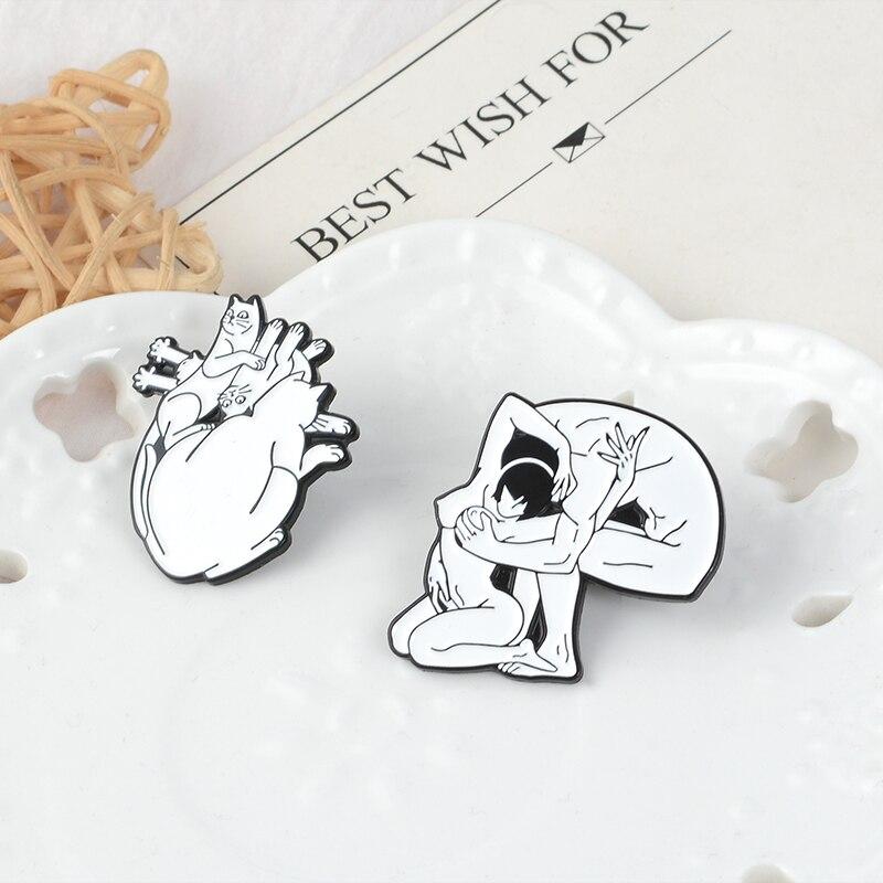 Amante-di-figura-Del-Cranio-Dello-Smalto-Spille-Gatti-a-forma-di-Cuore-Spilla-Coppia-Animale (1)