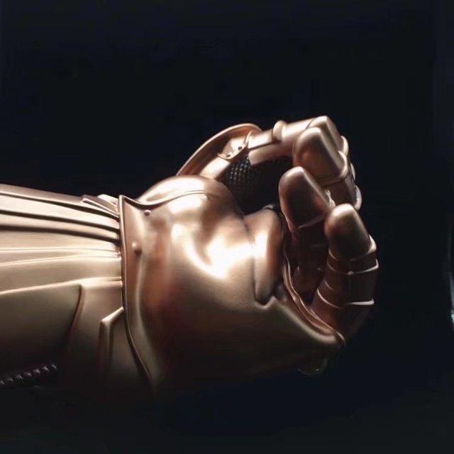 Перчатка Таноса 35 см. Мстители: Война Бесконечности