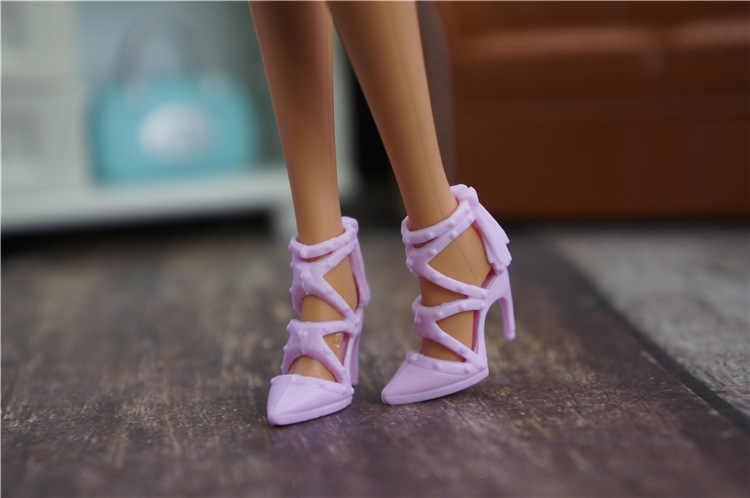 Moda ayakkabılar için barbie bebek orijinal 1/6 bjd 1 çift ayakkabı boneca zapatos lalka için barbie prenses bebek plastik aksesuarlar