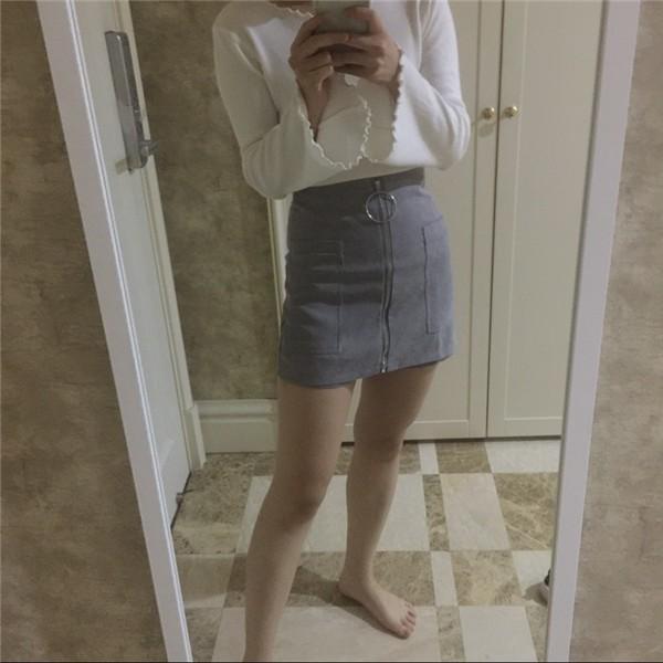 Mustad, hallid või pruunid lühikesed püksid