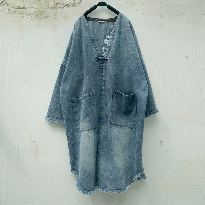 Johnature Women Denim   Trench   Coat Embroidery Floral Vintage Blue 2018 New Autumn Winter Casual Pockets V-neck Warm Thick Coats