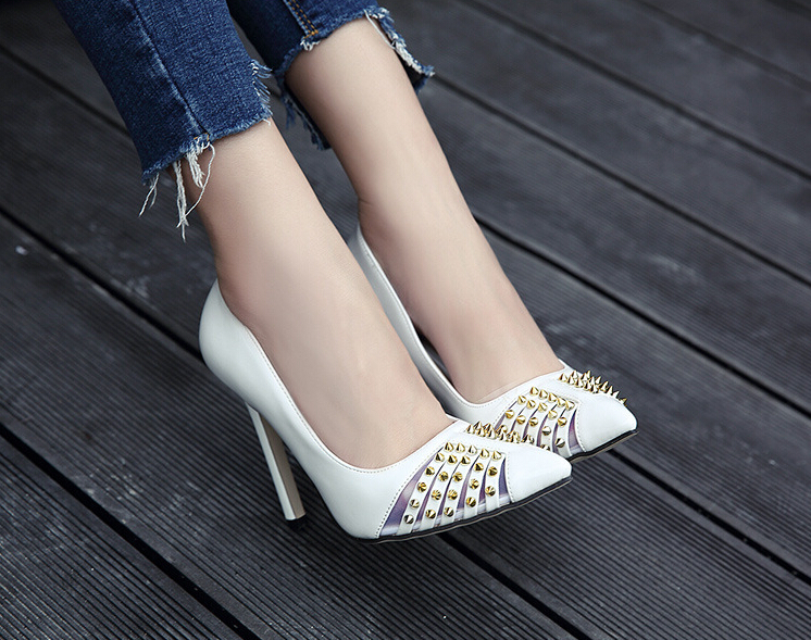 2017 spring shoes new heavy metal rivets shallow mouth thin high heel pointed shoes European and American fashion shoes 2017 the new european american fashion horn bow pointed mouth shallow comfortable flat sheet metal red shoes tide size 35 41
